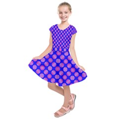 Bright Mod Pink Circles On Blue Kids  Short Sleeve Dress