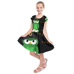 Who is a witch? - green Kids  Short Sleeve Dress