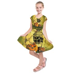 Halloween, Funny Pumpkins And Skull With Spider Kids  Short Sleeve Dress