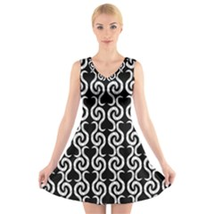 Black and white pattern V-Neck Sleeveless Skater Dress