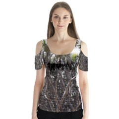 Inflorescences Butterfly Sleeve Cutout Tee