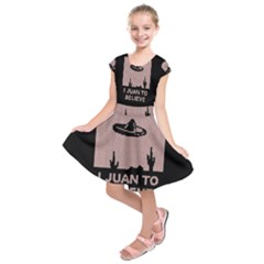 I Juan To Believe Ugly Holiday Christmas Black Background Kids  Short Sleeve Dress