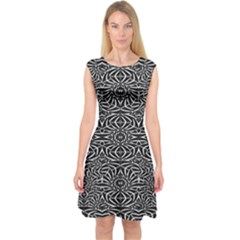 Black and White Tribal Pattern Capsleeve Midi Dress