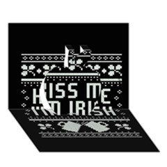 Kiss Me I m Irish Ugly Christmas Black Background Apple 3D Greeting Card (7x5)