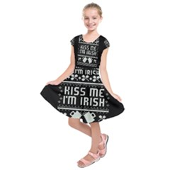 Kiss Me I m Irish Ugly Christmas Black Background Kids  Short Sleeve Dress