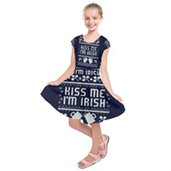 Kiss Me I m Irish Ugly Christmas Blue Background Kids  Short Sleeve Dress