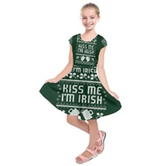 Kiss Me I m Irish Ugly Christmas Green Background Kids  Short Sleeve Dress