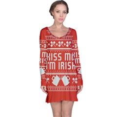 Kiss Me I m Irish Ugly Christmas Red Background Long Sleeve Nightdress