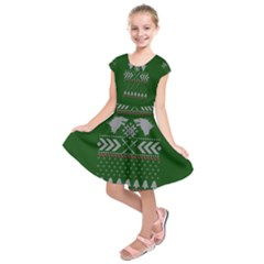 Winter Is Coming Game Of Thrones Ugly Christmas Green Background Kids  Short Sleeve Dress