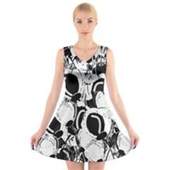 Black and white garden V-Neck Sleeveless Skater Dress
