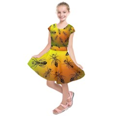 Insect Pattern Kids  Short Sleeve Dress