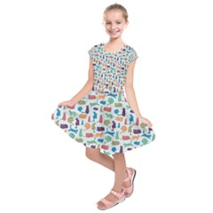 Blue Colorful Cats Silhouettes Pattern Kids  Short Sleeve Dress