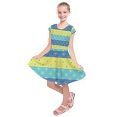 Hexagon And Stripes Pattern Kids  Short Sleeve Dress
