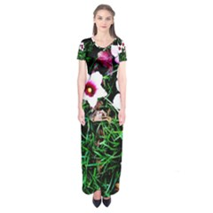 Pink Flowers Over A Green Grass Short Sleeve Maxi Dress