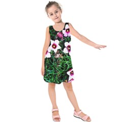 Pink Flowers Over A Green Grass Kids  Sleeveless Dress