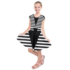 Black & White Stripes Big Triangle Kids  Short Sleeve Dress