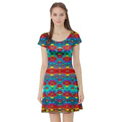 Peace Flowers And Rainbows In The Sky Short Sleeve Skater Dress
