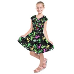 Playful lizards pattern Kids  Short Sleeve Dress