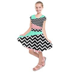 Chevron Green Black Pink Kids  Short Sleeve Dress