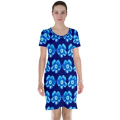 Turquoise Blue Flower Pattern On Dark Blue Short Sleeve Nightdress