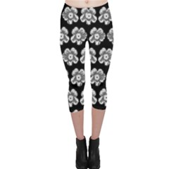 White Gray Flower Pattern On Black Capri Leggings