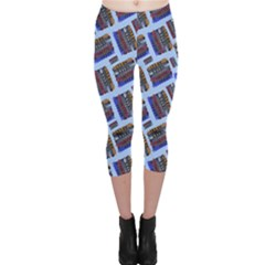 Abstract Pattern Seamless Artwork Capri Leggings