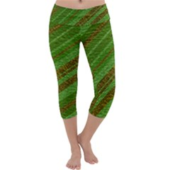 Stripes Course Texture Background Capri Yoga Leggings