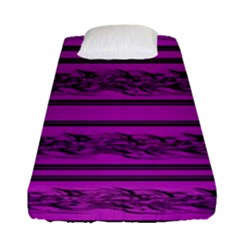Magenta Barbwire Fitted Sheet (single Size)
