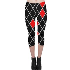 Elegant Black And White Red Diamonds Pattern Capri Leggings