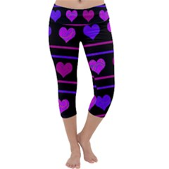 Purple and magenta harts pattern Capri Yoga Leggings
