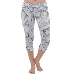 Pattern Motif Decor Capri Yoga Leggings
