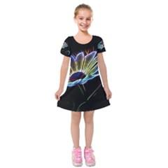 Flower Pattern Design Abstract Background Kids  Short Sleeve Velvet Dress