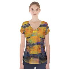 London Tower Abstract Bridge Short Sleeve Front Detail Top