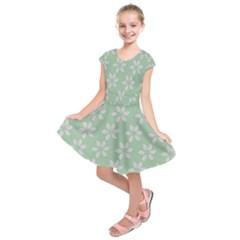 Pink Flowers On Light Green Kids  Short Sleeve Dress