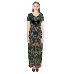 Detail Of The Collection s Floral Pattern Short Sleeve Maxi Dress