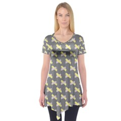 Hearts And Yellow Crossed Washi Tileable Gray Short Sleeve Tunic
