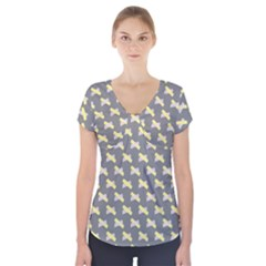Hearts And Yellow Crossed Washi Tileable Gray Short Sleeve Front Detail Top