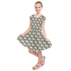 Hearts And Yellow Crossed Washi Tileable Gray Kids  Short Sleeve Dress