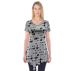 Metal Background Round Holes Short Sleeve Tunic