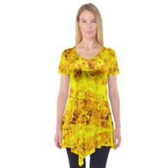 Yellow Abstract Background Short Sleeve Tunic