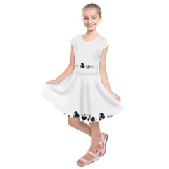 Simple black and white design Kids  Short Sleeve Dress
