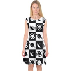 Space Month Saturnus Planet Star Hole Black White Capsleeve Midi Dress