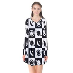 Space Month Saturnus Planet Star Hole Black White Flare Dress