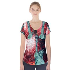 The Statue Of Liberty And 4th Of July Celebration Fireworks Short Sleeve Front Detail Top