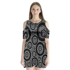 Selected Figures From The Paper Circle Black Hole Shoulder Cutout Velvet  One Piece