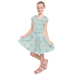 Butterfly Pastel Insect Green Kids  Short Sleeve Dress