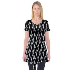 Elegant black and white pattern Short Sleeve Tunic