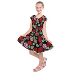 Red and pink roses Kids  Short Sleeve Dress