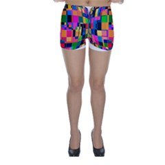 Color Focusing Screen Vault Arched Skinny Shorts