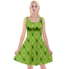 Green Christmas Tree Background Reversible Velvet Sleeveless Dress